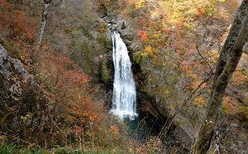 800px-Akiu_Falls_2008秋保大滝.jpg