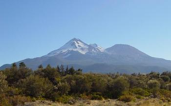Mt_Shasta_from_the_northwest-751.jpg